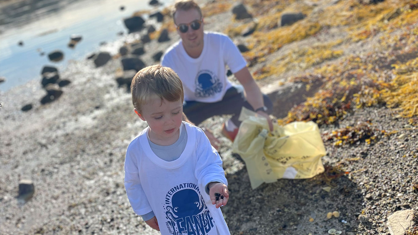 Coastal_cleanup_day_02