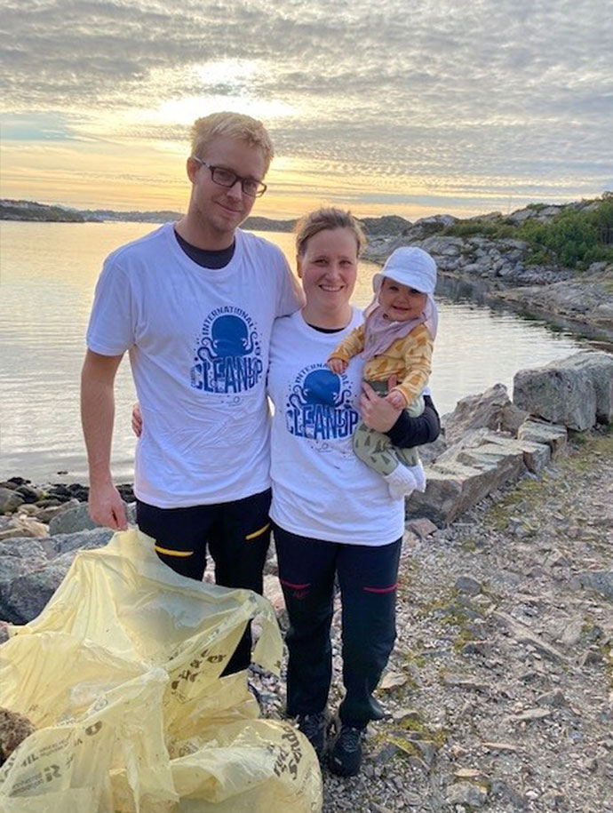 Coastal_cleanup_day_06